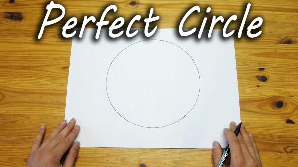 Dieser Kreis ist von Hand gemalt und ohne Hilfsmittel. Der simple Trick: Einfach still halten.