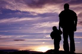 kisfiú és apukaKEZDŐ