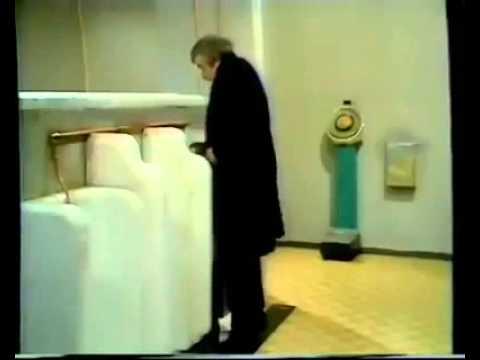 Na das nenne ich mal eine kleine Überraschung auf der Toilette. Aber ich will nicht zu viel verraten!