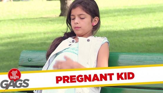 Diese Frau sieht das schwangere kleine Mädchen im Park. Doch als der Vater des Babys ankommt? Oh mein Gott!