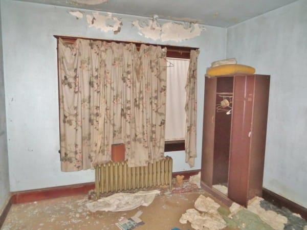 dieses haus steht seit den 50ern leer gruselig dex1. Black Bedroom Furniture Sets. Home Design Ideas