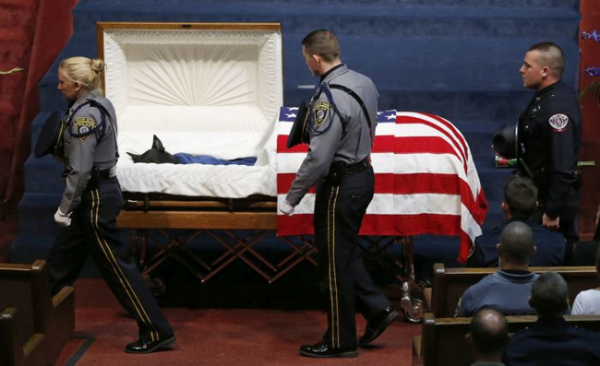 When_This_Hero_Was_Laid_To_Rest_He_Was_Truly_Honored…_And_He's_A_Dog.1