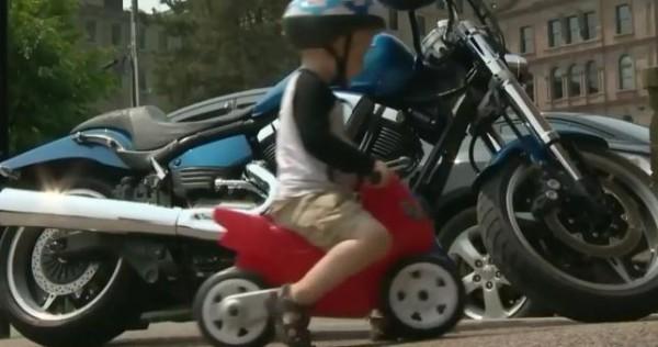 motoros fiú