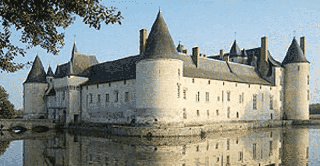 Homeless_Man_Inherits_French_Medieval_Castle1