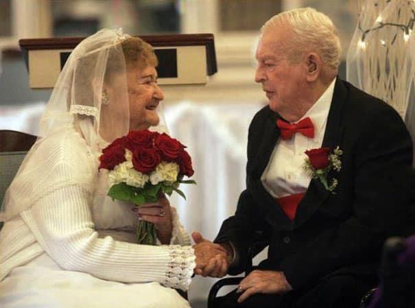 Diese Frau heiratet im Trainingsanzug. Doch wenn du ihr Hochzeitsbild ...