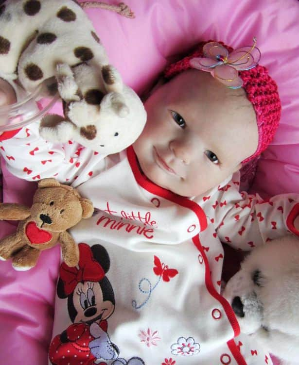 Woman_bakes_250_lifelike_dolls_in_oven_to_help_bereaved_parents_who_have_lost_their_babies1