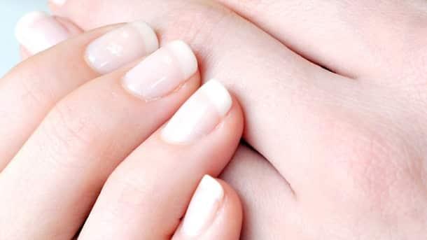 Wie die Dermatitis neben dem Nagel zu behandeln