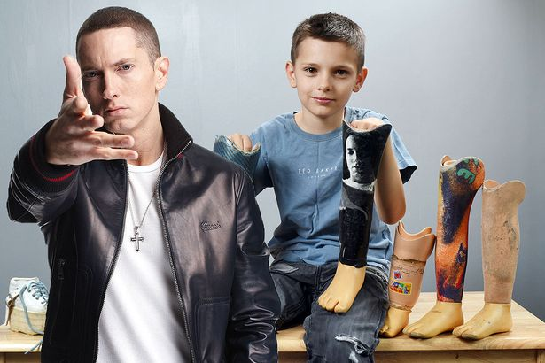 MAIN-PAY-Eminem-responds-to-10-year-old-fan-Teejay-Stainers-Slim-Shady-prosthetic-legs