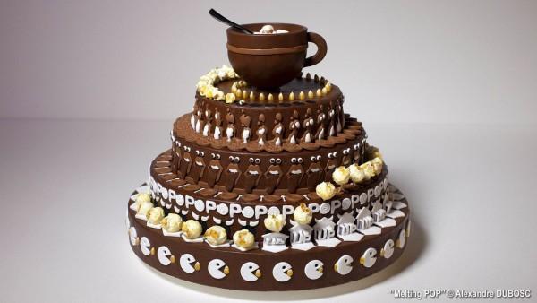 Dieser räuberische Kuchen isst sich selber auf. Kuck mal was er machen kann!
