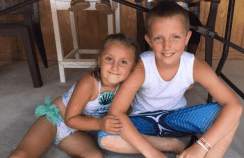 Groe Schwester Macht Kleine Bruder Fllen Sie Mit Cum